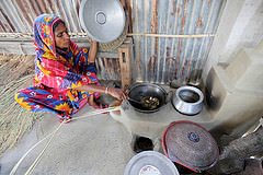 A woman preparing food in Satkhira, Bangladesh. Photo credit: M. Yousuf Tushar/ WorldFish