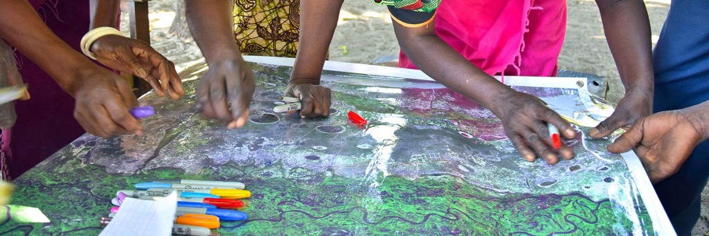 Picture 1. Participatory mapping activity with community leaders from Nalitoya, Zambia. Photo by Trinidad del Rio